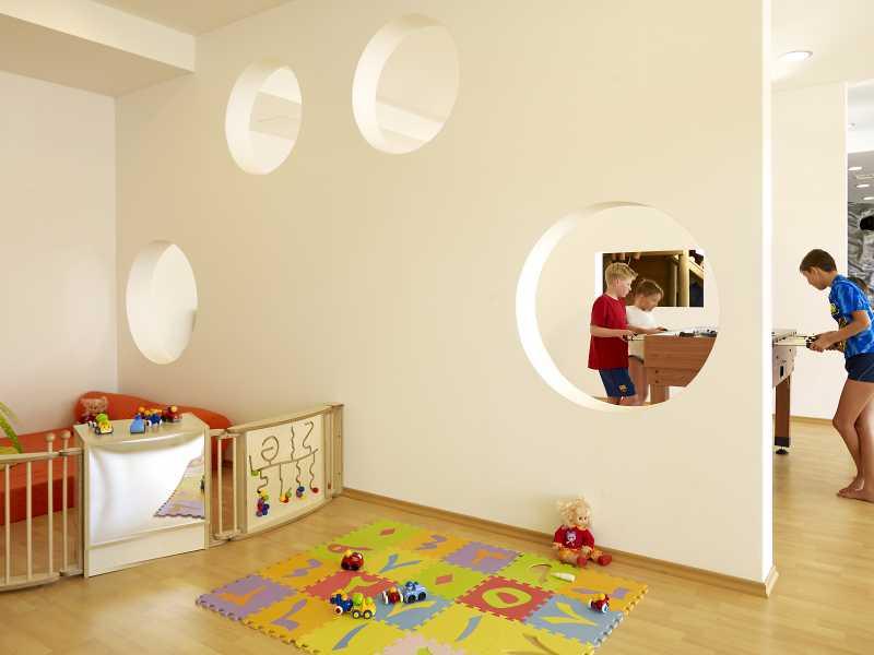 Appartementen Park Plaza Verudela kinder binnen speelplek