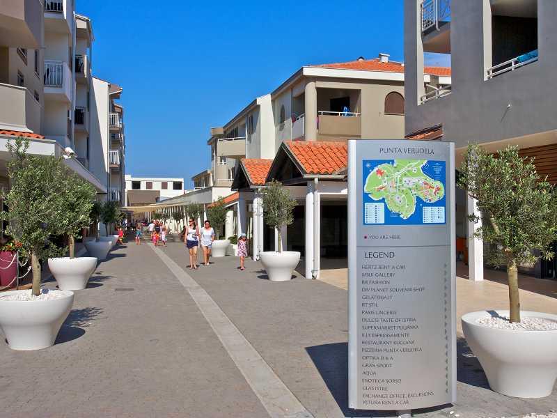 Appartementen Park Plaza Verudela winkeltjes