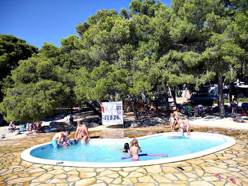 Camping Kozarica – stacaravans Adria More