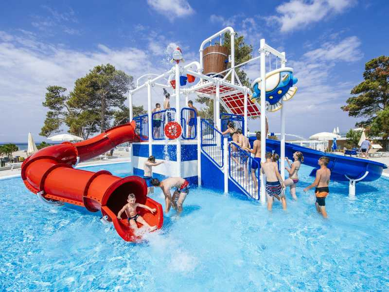 Camping Zaton Holiday Resort – stacaravans en lodgetent