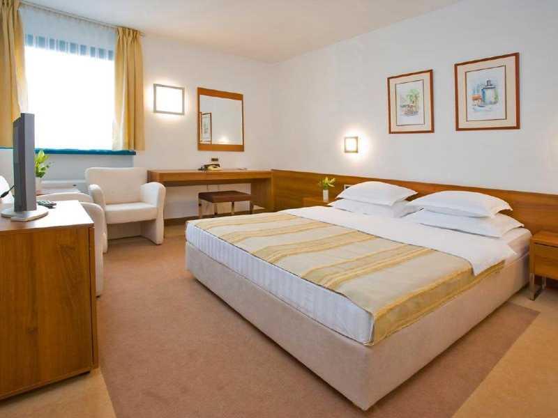 Hotel Laguna ***