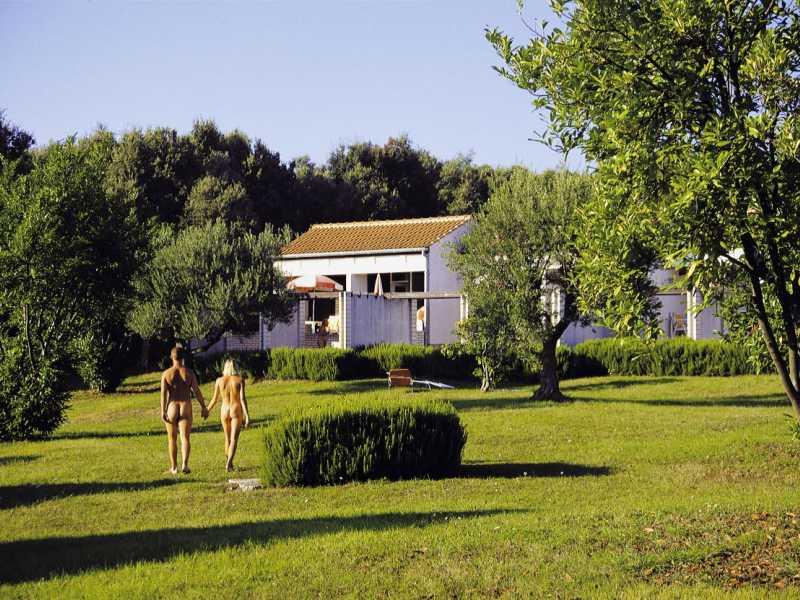 Naturistenresort Koversada A **- kamers