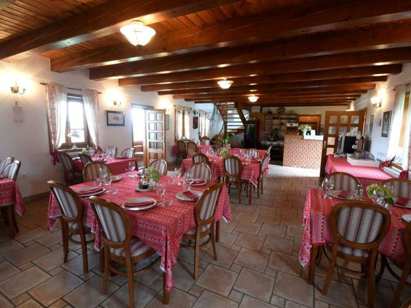 Srce Prirode - Heart of Nature restaurant binnen