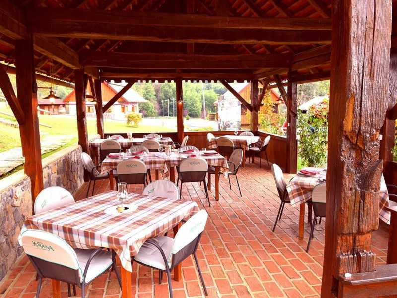 Srce Prirode - Heart of Nature restaurant terras