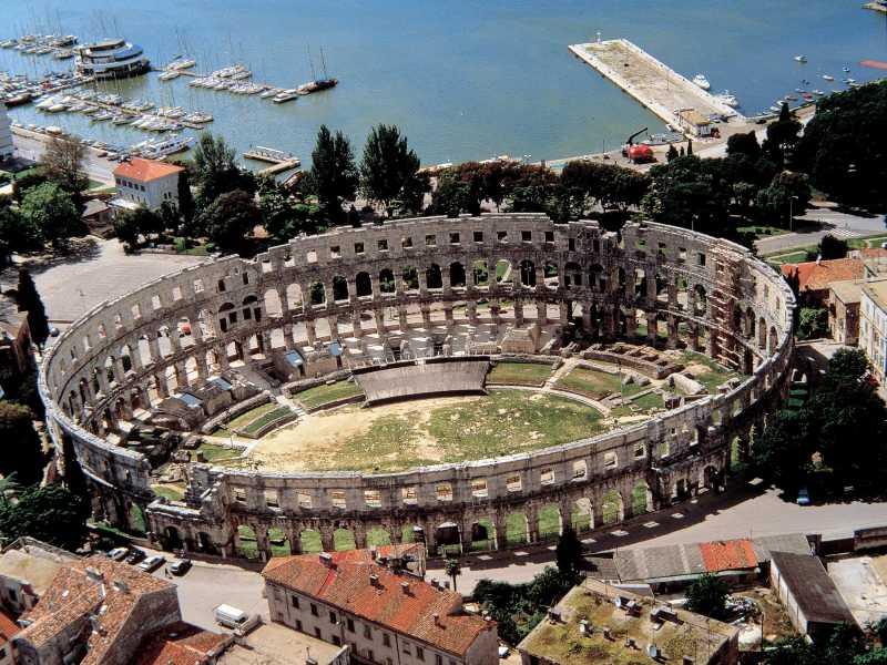 Romeins amfitheater in de Kroatische stad Pula