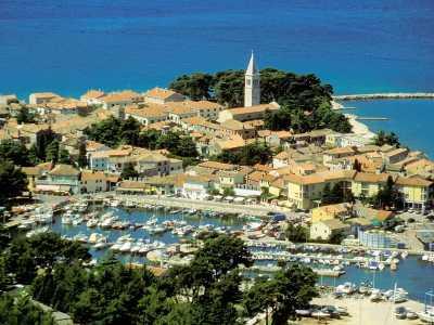 De haven van de Kroatische stad Novigrad