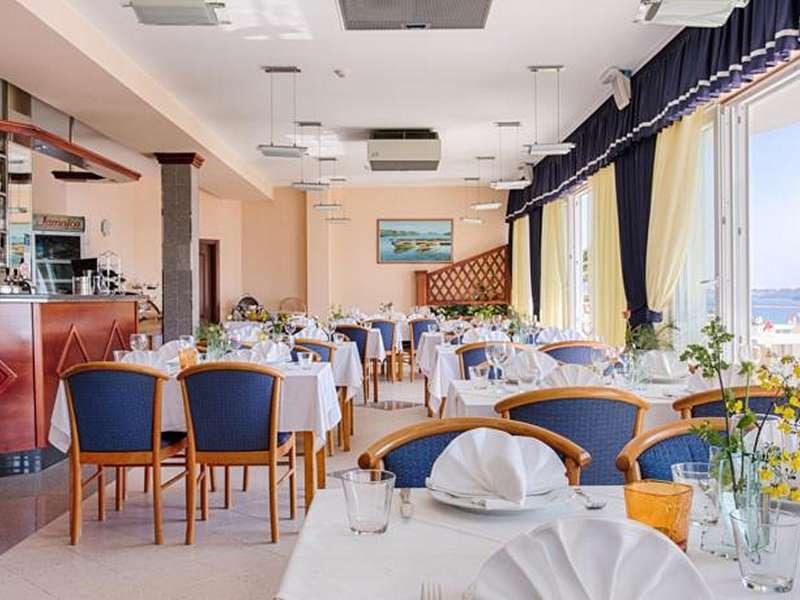 Hotel Viktorija *** - Kroatië - Midden-Dalmatië - Seget Vranjica