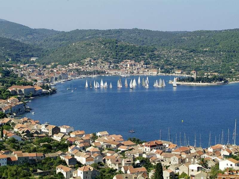 Blue cruise - Route R4 – Vanaf Rijeka door de Kvarner Baai en Dalmatië naar Dubrovnik
