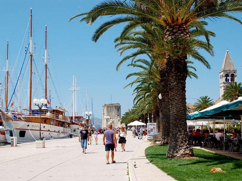 Blue cruise - Route TV- Fietsend eilandhoppen door Midden- en Zuid-Dalmatië inclusief Vis en rafting op de Cetina rivier