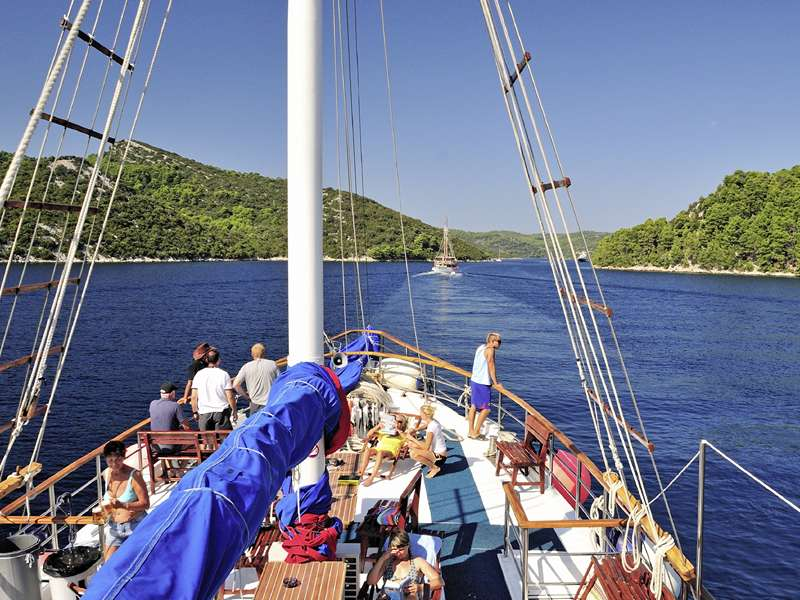 Blue cruise - MS Otac Ivan