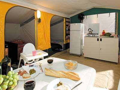Camping Cikat - Eiland Losinj - Kroatië - Kvarner Baai - Mali Losinj
