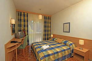 Hotel Resort Velaris ***/**** - Kroatië - Midden-Dalmatië - Supetar - Eiland Brac