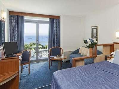 Blue Sun Hotel Alga **** - Kroatië - Midden-Dalmatië - Tucepi